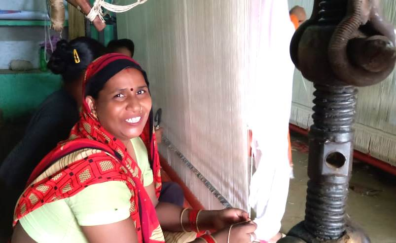 Rug Making initiative by AROH in villages of Uttar Pradesh are hailed for high remunerations and reviving old craft